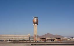 Tour de contrôle de circulation d'aéroport Photographie stock libre de droits