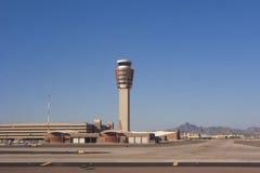 Tour de contrôle de circulation d'aéroport Image stock