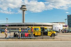 Tour de contrôle du trafic aérien d'aéroport international d'Arlanda photographie stock
