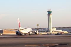 Tour de contrôle à l'aéroport international de Muscat Image libre de droits