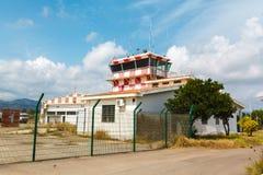 Tour de contrôle abandonné d'aéroport Photographie stock libre de droits