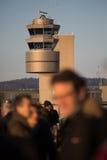 Tour de contrôle de la circulation à l'aéroport international de Zurich Photo libre de droits