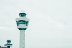 Tour de contrôle de la circulation d'aéroport Photographie stock