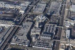 Tour de contrôle de vue aérienne d'aéroport international de Los Angeles et Image libre de droits
