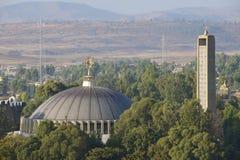 Tour de dôme et de cloche de la nouvelle église de notre Madame Mary de Zion, Aksum, Ethiopie Photo stock