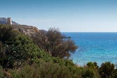 Tour de Għajn Tuffieħa, au-dessus de baie d'or, Malte, l'Europe image libre de droits