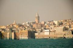 Tour de Galata des périodes antiques à Istanbul photographie stock libre de droits