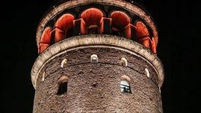 Tour de Galata la nuit, Istanbul, Turquie banque de vidéos