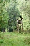 Tour de guet dans la forêt Photos stock