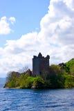 Tour de guet de château sur le rivage de lac Photos libres de droits