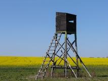Tour de guet de chasse en été Images stock