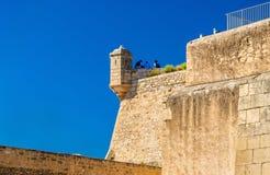 Tour de guet de Santa Barbara Castle dans Alicante, Espagne Photo stock