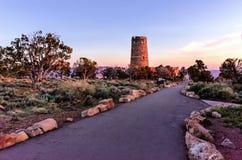 Tour de guet de vue de désert au lever de soleil Photographie stock