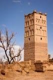Tour de guet de kasbah dans les ruines Skoura morocco image libre de droits