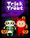Tour de Halloween ou fond de traitement avec des enfants Photo stock