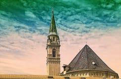 Tour de l'église franciscaine Franziskanerkirche, Salzbourg, Autriche 2017 Photos stock