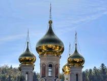 Tour de l'église orthodoxe russe image stock