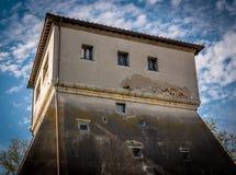 Tour de la défense de Moyens Âges dans un village toscan Photos libres de droits