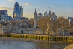 Tour de Londres au coucher du soleil Photographie stock libre de droits