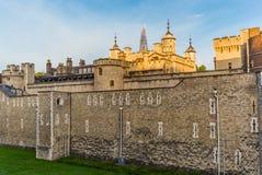 Tour de Londres dans un début de la matinée tranquille - 7 Image libre de droits