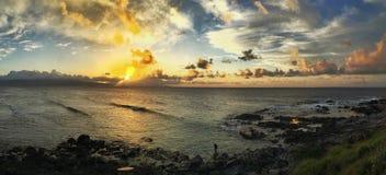 Tour de maître nageur au coucher du soleil Photos stock