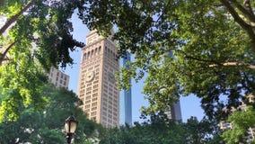 Tour de Morning Establishing Shot Metropolitan Life Insurance Company banque de vidéos