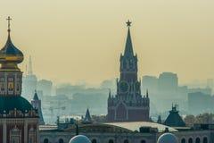 Tour de Moscou Kremlin Spasskaya Savior's photographie stock
