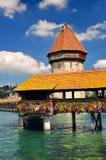 Tour de passerelle et d'eau de chapelle, Lucerne, Suisse Photos stock