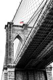 Tour de pont de Brooklyn avec le drapeau Photo stock