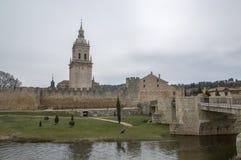 Tour de pont et de cloche d'EL Burgo De Osma photographie stock