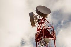 Tour de répétiteur d'antenne, télécommunication sans fil, l'espace de copie Image libre de droits