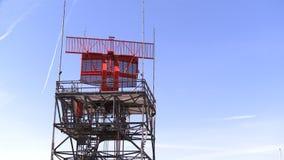 Tour de radar d'aéroport banque de vidéos