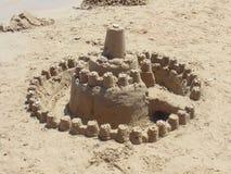 Tour de sable sur la plage images stock