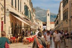 Tour de Stradun et d'horloge dubrovnik Croatie Photo stock
