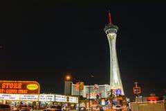 Tour de stratosphère la nuit, Las Vegas photo libre de droits