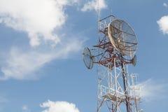 Tour de télécommunication Photographie stock libre de droits