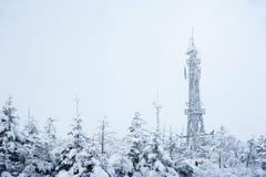 Tour de télécommunication en hiver Image libre de droits