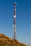Tour de télécommunication sur une côte Photographie stock