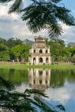 Tour de tortue Thap Rua dans le lac sword de lac Hoan Kiem, Ho Guom à Hanoï, Vietnam Photographie stock libre de droits