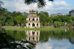 Tour de tortue Thap Rua dans le lac sword de lac Hoan Kiem, Ho Guom à Hanoï, Vietnam Image stock