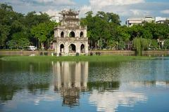 Tour de tortue Thap Rua dans le lac sword de lac Hoan Kiem, Ho Guom à Hanoï, Vietnam Photos stock