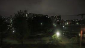Tour de train dans l'obscurité banque de vidéos