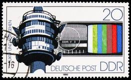 Tour de TV, moniteurs, moyens de transfert de message de serie de Deutsche Post, vers 1980 image libre de droits