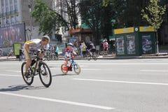Tour de vélo de famille Photographie stock