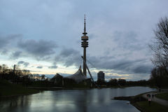 Tour du Stade Olympique et de télévision en parc d'Olympia Munich, Allemagne Image stock