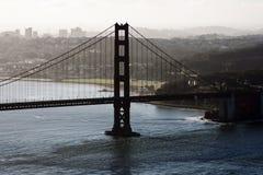 Tour du sud golden gate bridge San Francsico Californ de silhouette Images stock