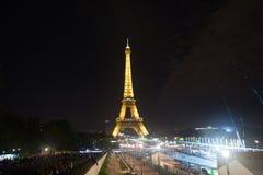 Tour Eiffel à Paris Tour Eiffel est symbole de l'amour et du Paris Fond romantique de la vie Image libre de droits