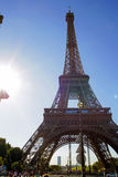 Tour Eiffel de Paris au temps ensoleillé images libres de droits