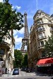 Tour Eiffel de Rue de Buenos Aires Paris, France, le 11 ao?t 2018 image libre de droits