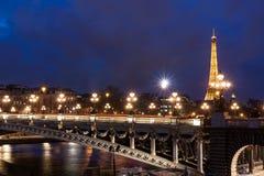 Tour Eiffel et Pont Alexandre III Image stock